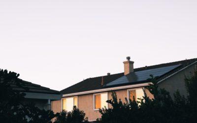 Quelle est la différence entre le solaire thermique et le solaire photovoltaïque ?