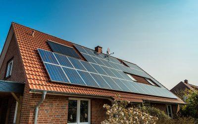 Que faire avant d'équiper sa maison de panneaux solaires ?