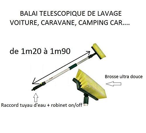 Balai télescopique de lavage avec brosse douce adapté à l'entretien de panneaux solaires photovoltaïques