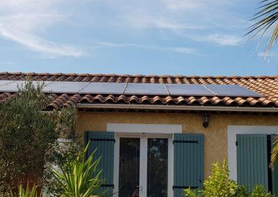 Reprise d'installation de panneaux solaires suite à fuite réalisée à Istres (13800), par Libow en août 2019. Image Libow 2019©