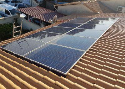 Reprise d'installation photovoltaïque suite à fuite réalisée à Vergèze (30128), par Libow en mai 2019. Image Libow 2019©