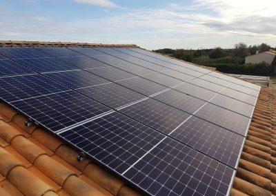 Installation solaire d'une puissance de 8,78 kWc à Vérargue (34400) par l'installateur solaire Libow en novembre  2019. 21 Modules QCELLS avec un onduleur SolarEdge. Photo Libow 2019