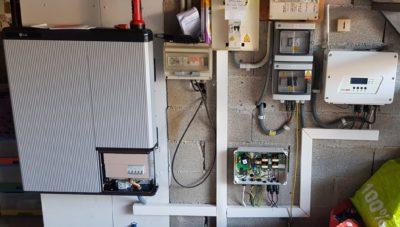 Installation solaire avec batterie en surimposition 3 kWc - avril 2018 - 34480 SAINT-GENIES-DE-FONTEDIT - 10 panneaux ALEO et 1 onduleur SolarEdge avec Optimiseurs
